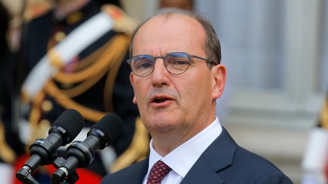 Премиерот на Франција во изолација, неговата сопруга позитивна на Ковид-19