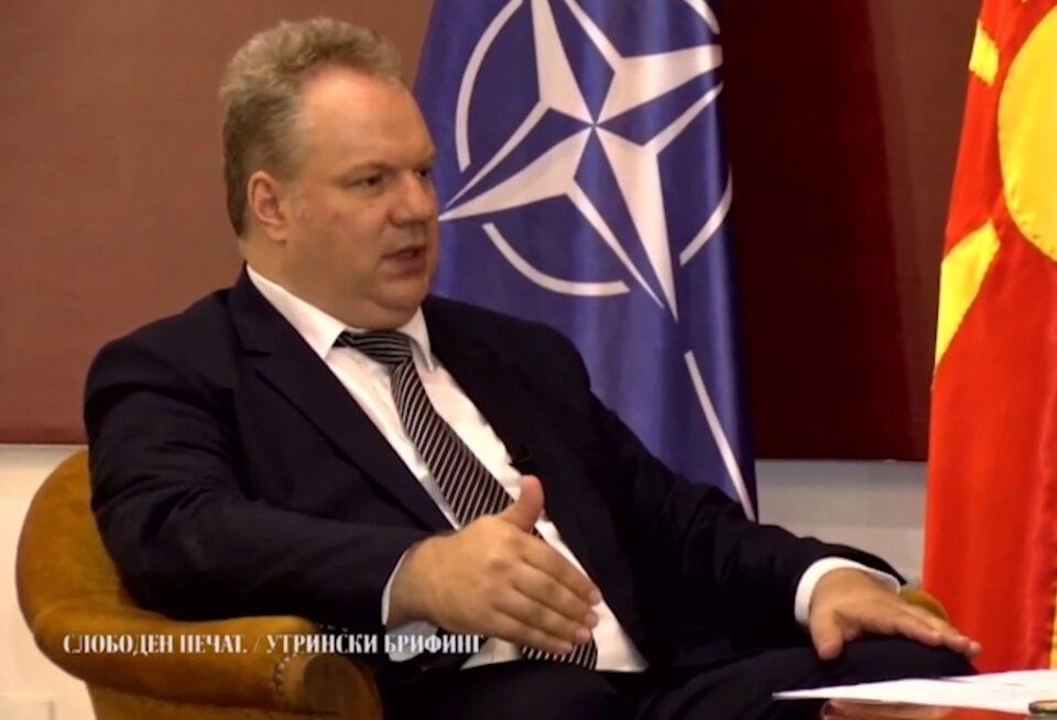Трајанов: Секој политичар кој излезе од Република Македонија и ќе зборува за меѓународната политика и на меѓународни настани треба да го користи македонскиот јазик