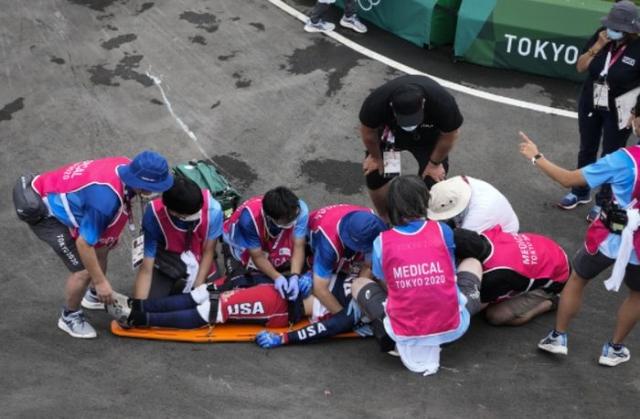 Олимпискиот првак од Рио се искрши и заврши во болница во трка со БМХ (ВИДЕО)