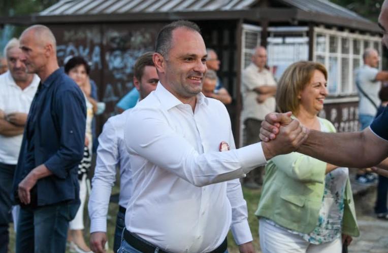 Филипче се пофали: Твитерот повторно ми е активен