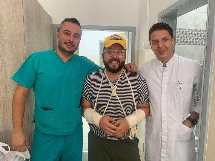 Коста Петров си ги искршил двете раце додека возел велосипед