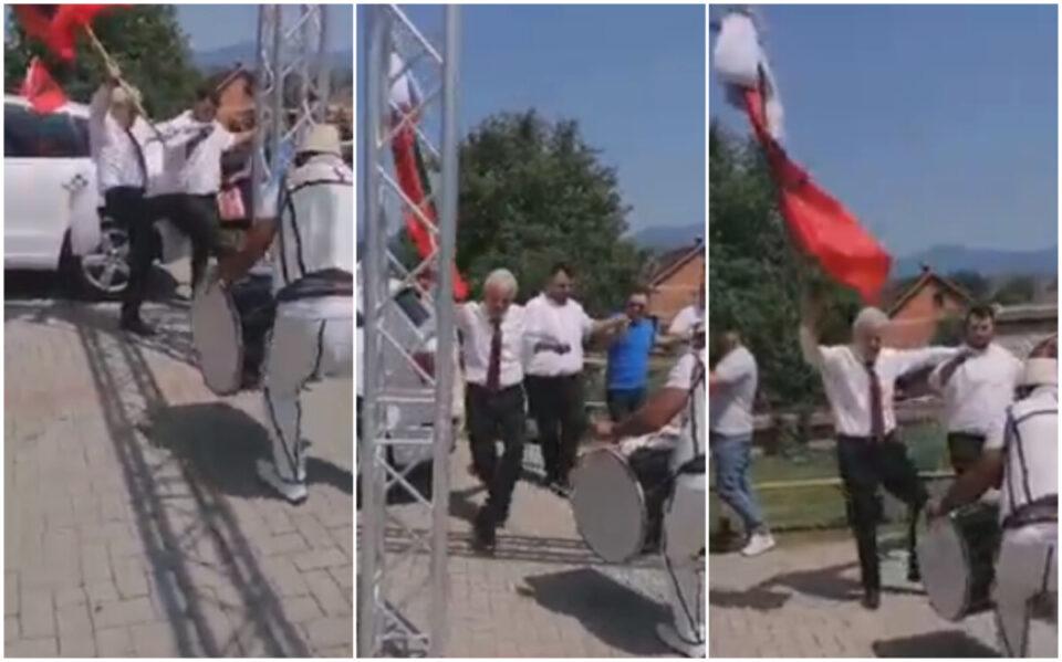 ВИДЕО: Лидерот на ДУИ Али Ахмети главен на свадба во Зајас – покажа како се води орото