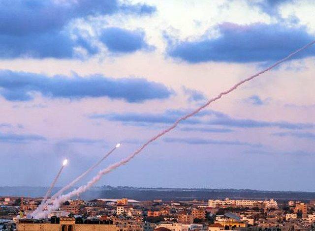 Израелската армија го гранатираше јужниот дел на Либан како одговор на истрелувањето две либански ракети