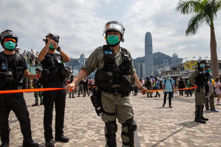 Во Хонг Конг спречени серија напади со рачно изработени бомби