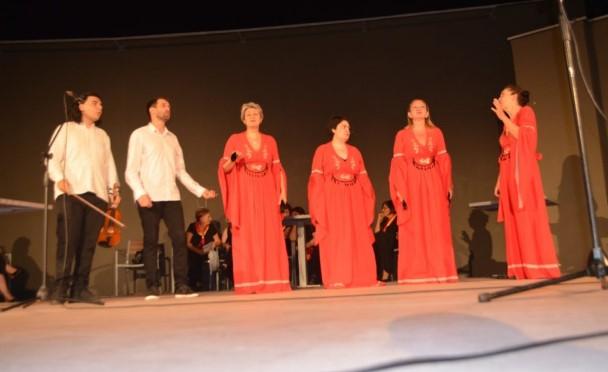 Македонците од Белград го одбележаа Илинден со театарска претстава и македонска етно музика