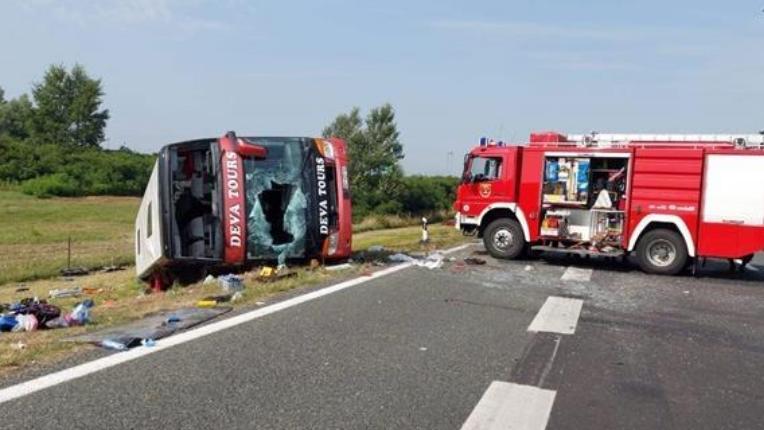 Потресно сведоштво на преживеан од автобуската несреќа во Хрватска: Никогаш нема да го заборавам ова, наеднаш луѓето започнаа да паѓаат едни врз други