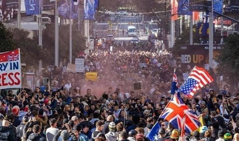 ВИДЕО: Голем протест во Сиднеј поради рестриктивните мерки