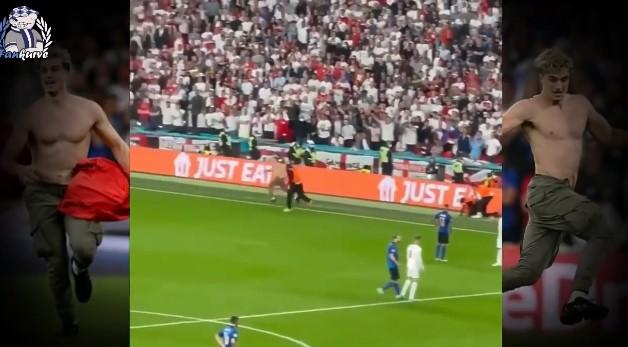Ова не можевте да го видите на ТВ екраните: Прекинот на финалето беше поради навивач кој влетал на теренот (ВИДЕО)