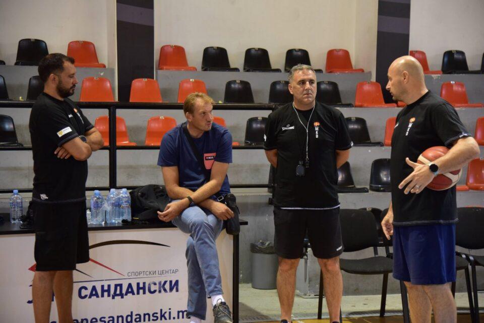 Селекторот Драган Бајиќ се запозна со потенцијалните сениорски репрезентативци