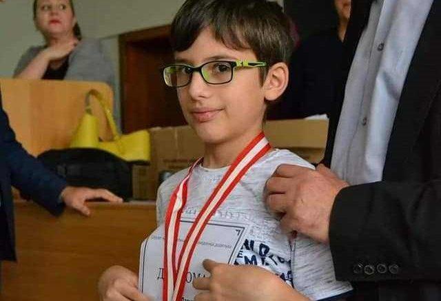 БРАВО МОМЧЕ: Дамјан на кој МОН одби да му даде наградата стана најмладиот освојувач на сребро во Европа и четврти во светот