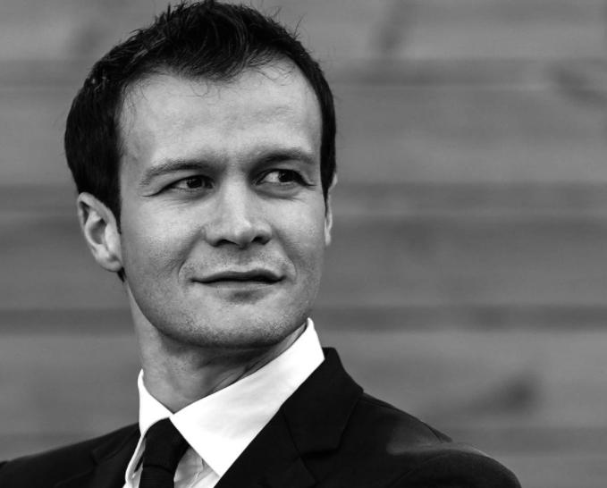 """Целовечерен концерт на пијанистот Дарко Костовски вечерва на """"Охридско лето"""""""