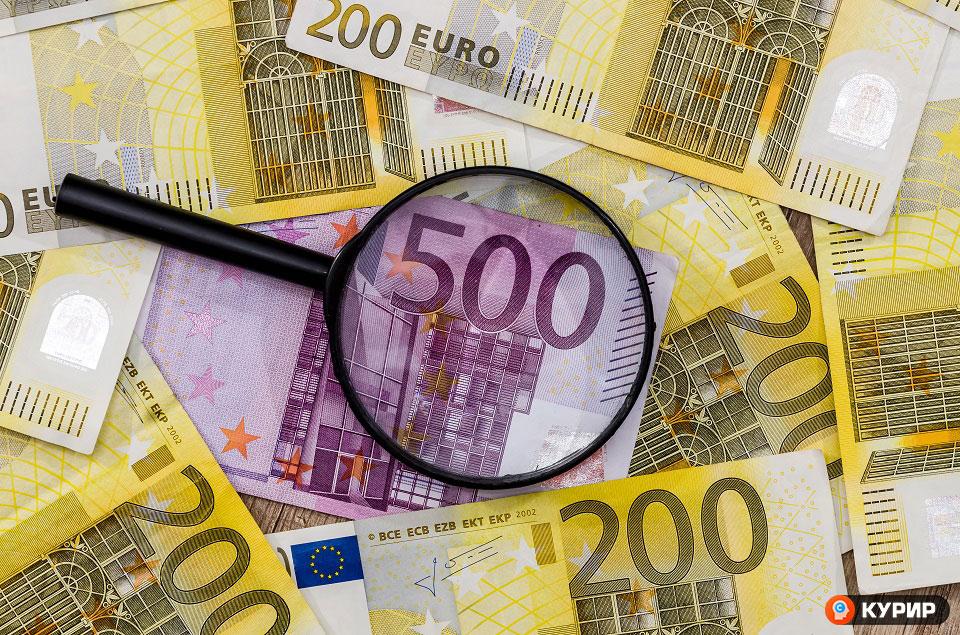 Предложен притвор за двајца странски државјани фатени со фалсификувани евра на скопскиот аеродром