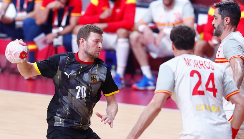 Шпанија ги искористи грешките на Германија и отвори со минимален триумф