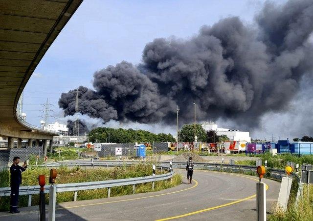 Експлозија во Леверкузен: Еден загинат, четворица исчезнати