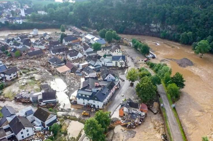 Во поплавите во Германија загинаа 180 лица, а околу 150 се водат за исчезнати