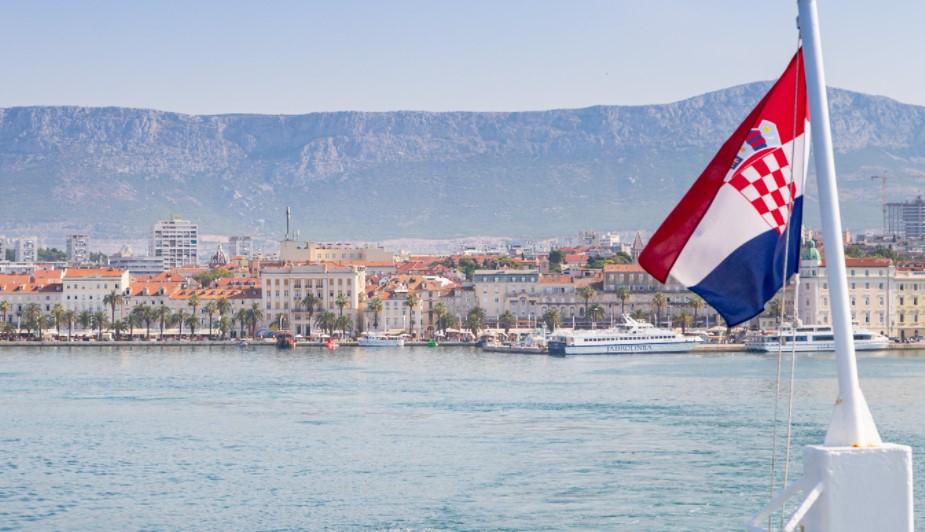 Ако сакате да одите на одмор во Хрватска, мора да го знаете ова – што е потребно за македонските туристи?