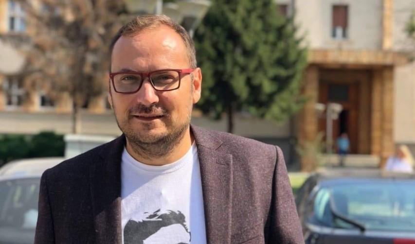 """Здравковски до Апасиев: Ако не се изгласаше """"Законот за Колска"""" ќе се доведеше во прашање егзистенцијата на стотина вработени кои ги хранат нивните фамилии од таа плата"""
