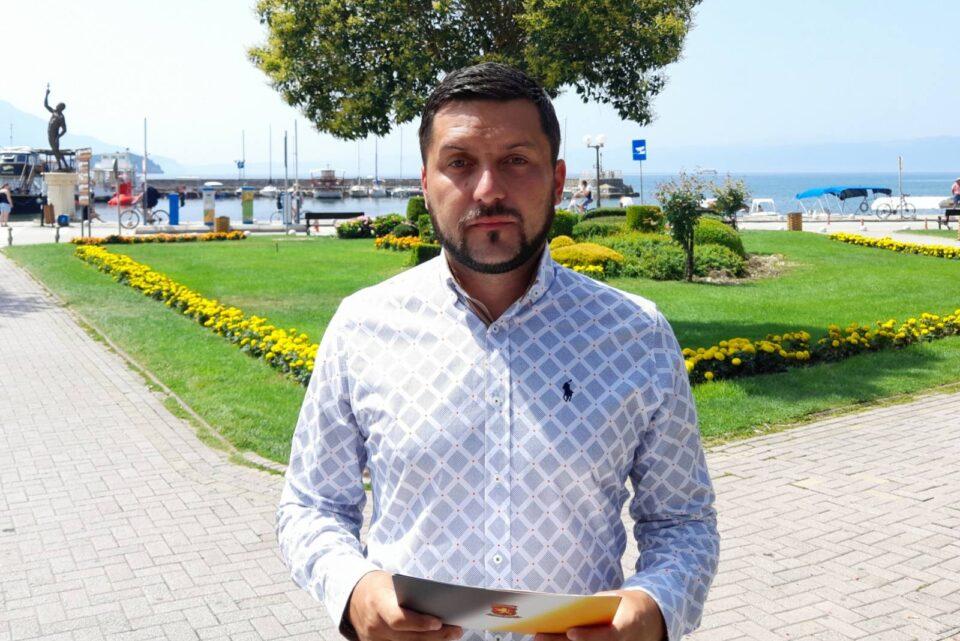 Божиновски: Георгиески ја поддржува урбаната мафија, се плаши да се справи со дивоградбите