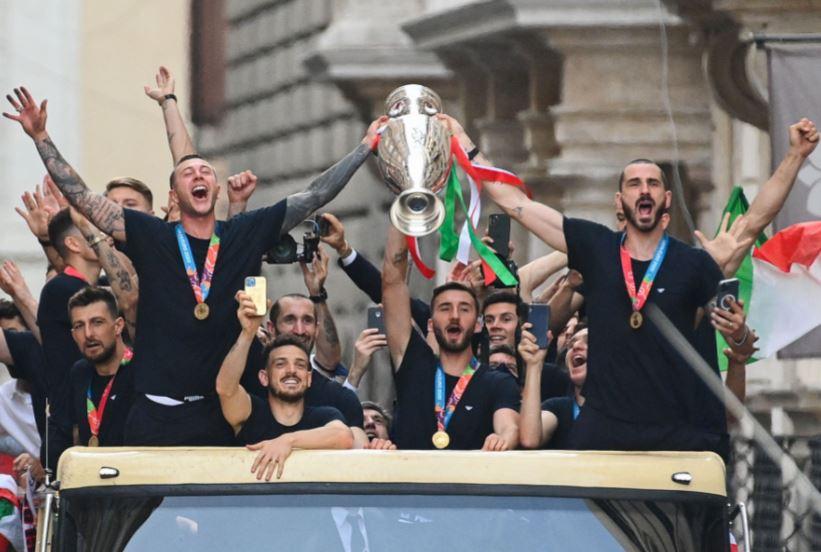 УЕФА и КОНМЕБОЛ ќе организираат пресметка меѓу Италија и Аргентина во чест на Марадона