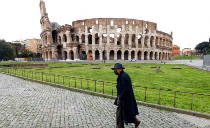 Италија воведува задолжителни ковид пропусници за посета на овие места