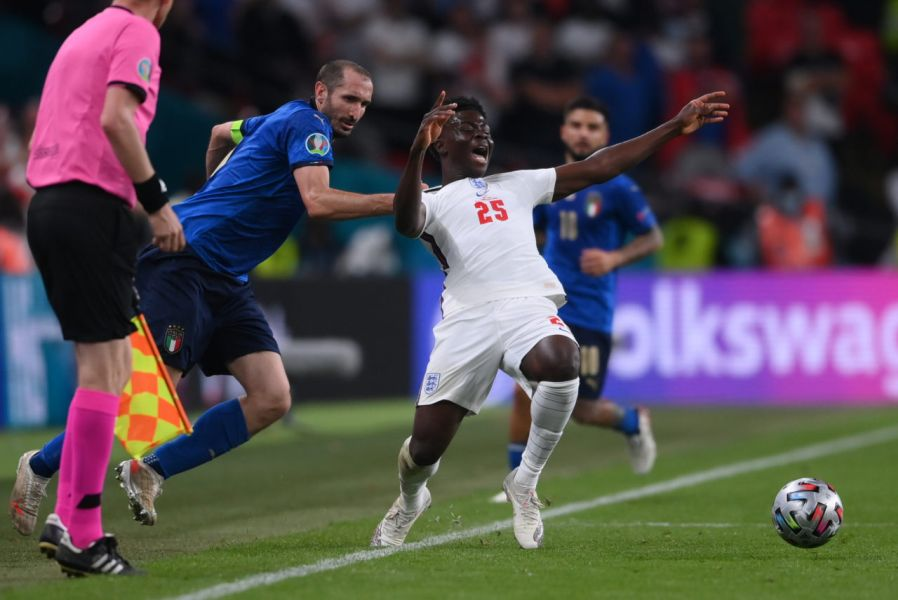 Маркизио ги истрола Англичаните кои бараат преигрување на финалето на ЕП (Фото)