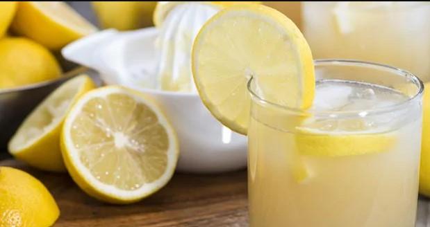 Овој сок го подобрува расположението и здравјето, еве како да си го направите