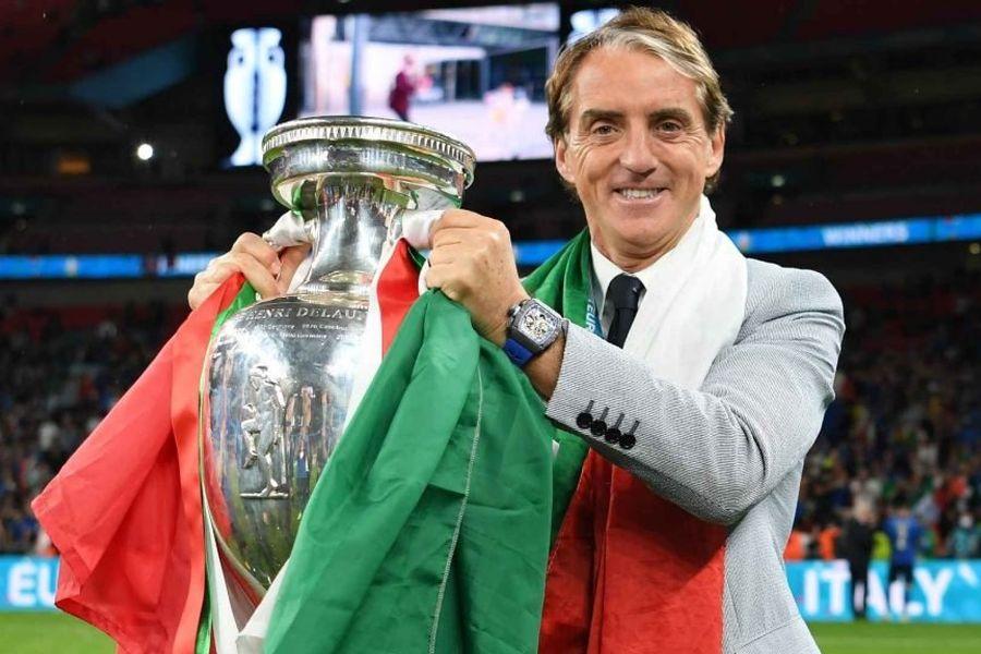 """Говорот пред големото финале: Како Манчини ги инспирираше Италијанците да слават на """"Вембли"""" (ВИДЕО)"""