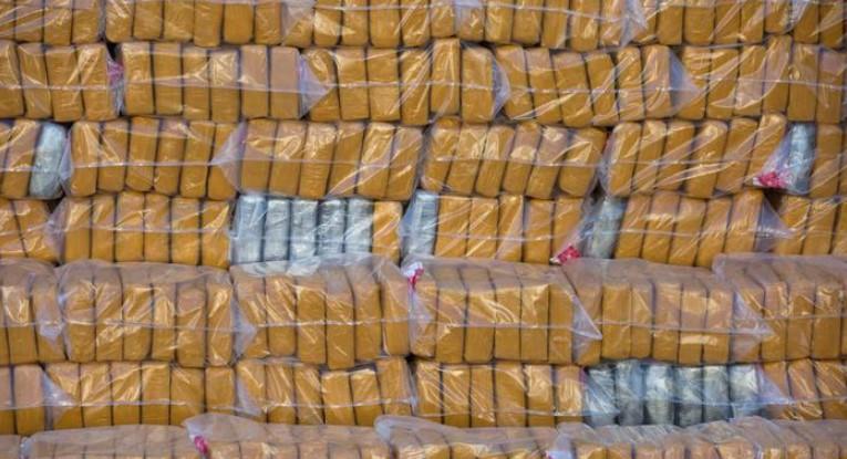 Голем удар за трговијата со дрога: Кокаин вреден 225 милиони евра е запленет во Холандија