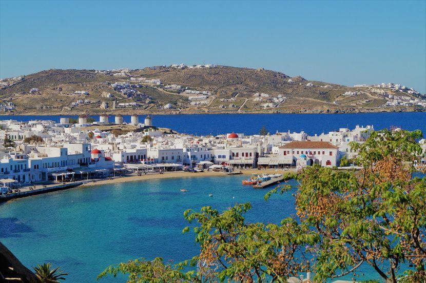 Грција: Ковид ограничувања само за невакцинирани ?!