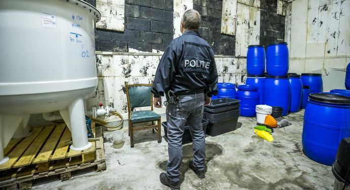 Откриена најголемата и најпрофесионалната нелегална лабораторија за синтетичка дрога- еве во која земја