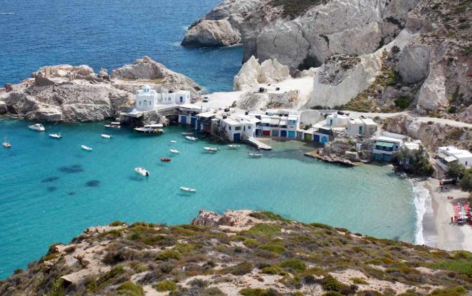 За патување со брод кон островите во Грција ОВА е ЗАДОЛЖИТЕЛНО- до сега вратени над 4.500 лица