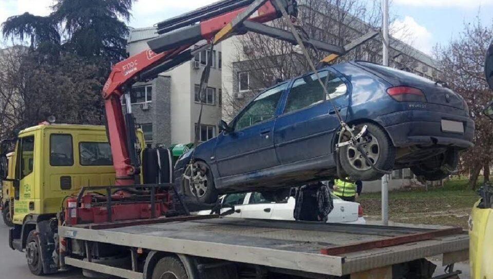 """""""Пајакот"""" со полна пареа собира возила во Центар, еве колку се санкционирани за една недела"""