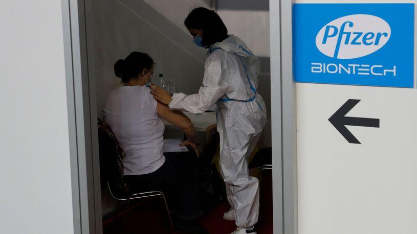 Во Србија пристигнаа нови 133.490 дози на Фајзер