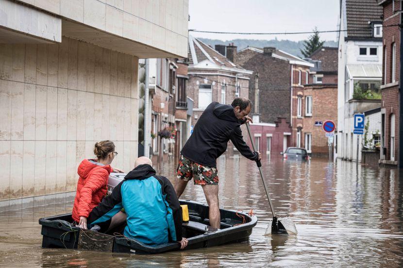 Имаа поплави, но немaa жртви: Како Холандија го избегна германското и белгиското сценарио?