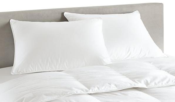 Ослободете се од бактерии и алергени: Еве колку често летно време треба да ја менувате постелнината
