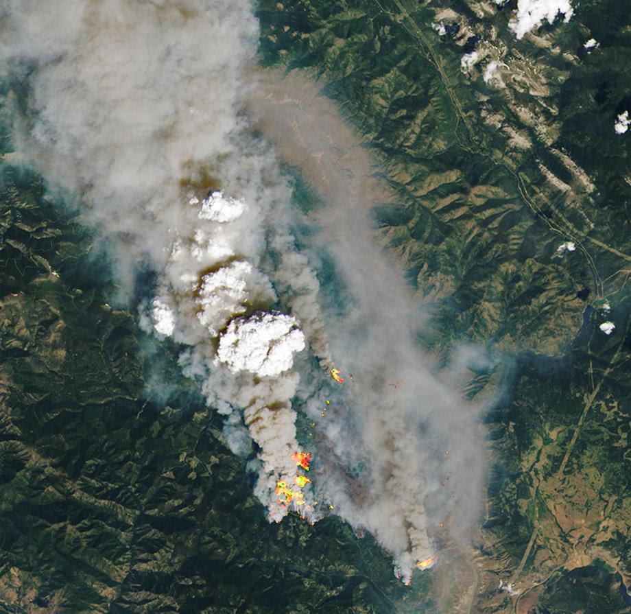 Рекордни температури во Канада, Литон речиси целосно уништен од пожар
