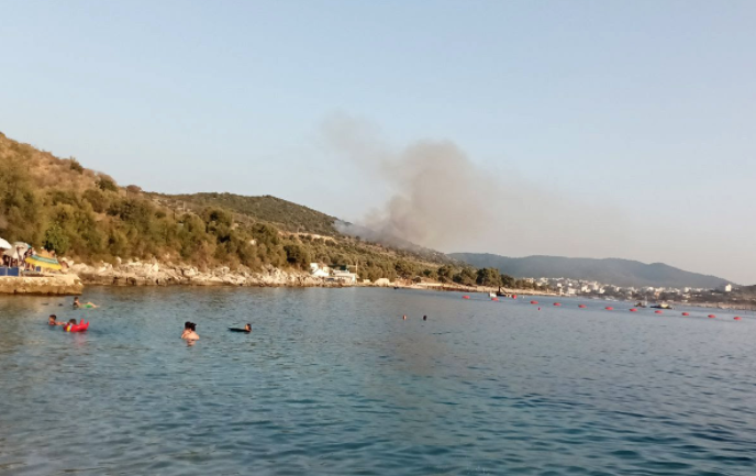 Пожар во Ксамил- во моментов летуваат и голем број туристи од Македонија