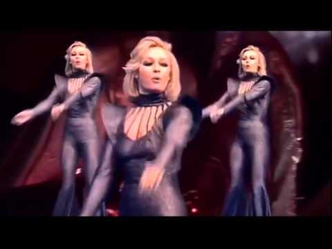 Тажна вест: Почина пејачката чиј хит сите го знаеме (ВИДЕО)