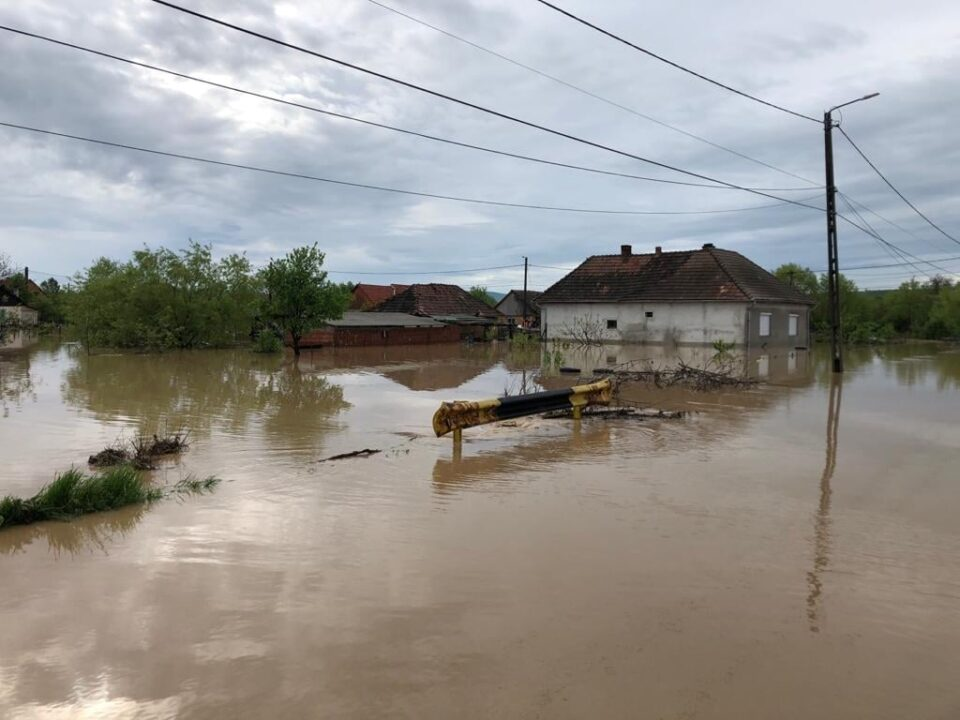 Романија: Поплавите предизвикаа хаос, има загинати