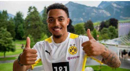 """Официјално: Мален е нов """"милионер"""" од Дортмунд"""