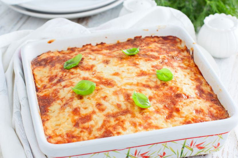 Запечено сирење во рерна, поубав и од похованото: Рецепт за специјалитет кој се топи во уста