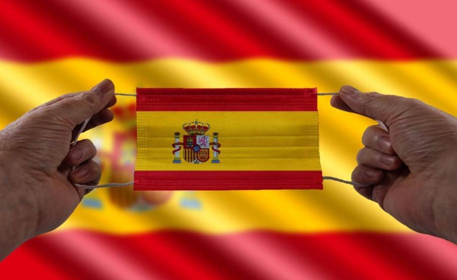 Шпанија го враќа полицискиот час и други мерки поради младите