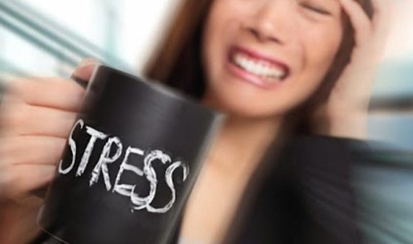 """""""Спуштете ја чашата"""": Ова е најкратката лекција за стресот која многу ќе ви помогне"""