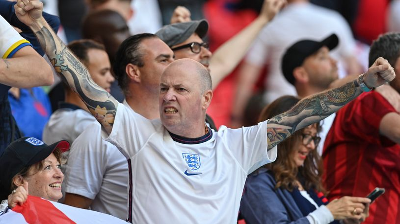 Вембли грми од сите страни, започна војната меѓу Англичаните и Данците за финалето на ЕУРО2020! (ВИДЕО)