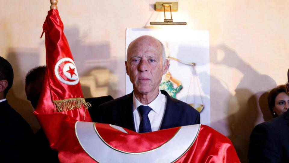 Претседателот на Тунис го смени директорот на националната телевизија