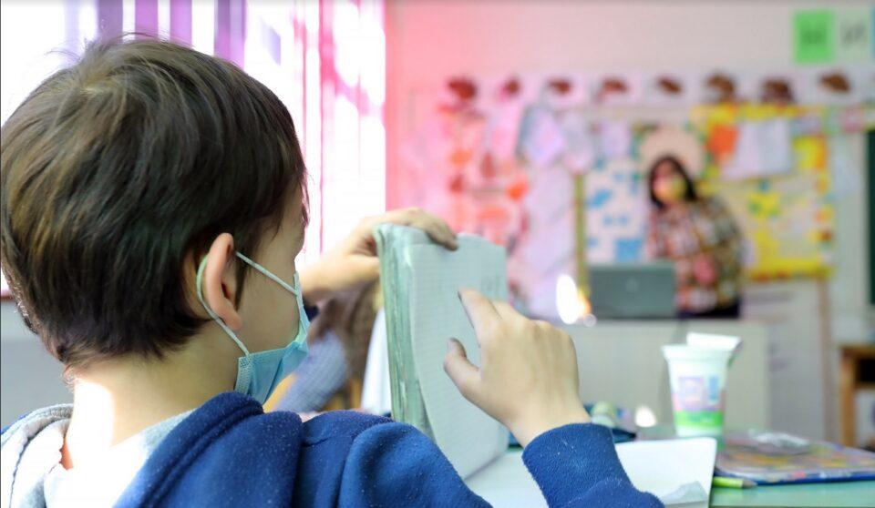 Царовска: Состојбата во училиштата е стабилна, сѐ уште нема потреба од промена на моделот за настава