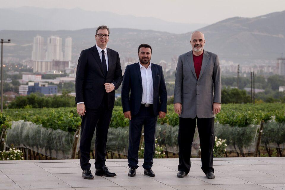 Заев, Вучиќ и Рама на Економски форум во Скопје