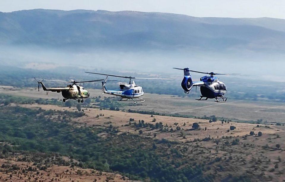 Видео: Српските хеликоптери вчера имале 21 налет над Дренак, испуштиле 25 тони вода