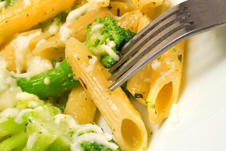 Тестенини со брокула и лимон е совршен ручек за температури над 30 степени!