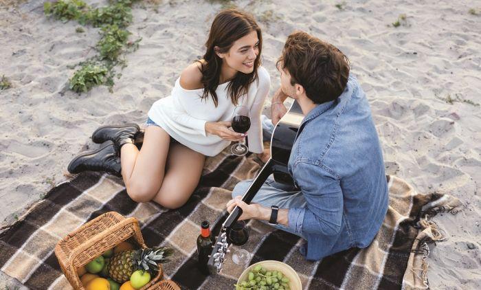 Зошто многу парови раскинуваат по одморот? Одговорот е краток и јасен!